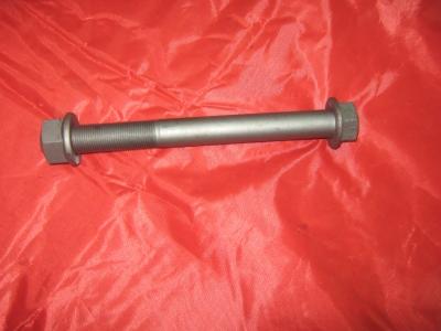 Болт крепления тяги реактивной длинный с гайкой 151В20200