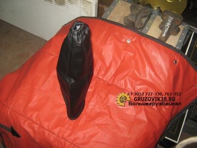 Кожух пылезащитный (рычага кпп) А7 AZ9925240008